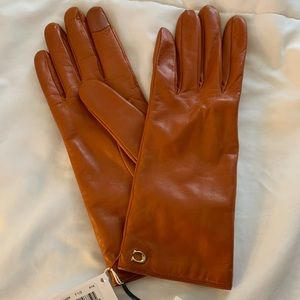 NWT COACH leather gloves with cashmere lining